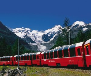 Bernina Express vor Morteratsch Gletscher